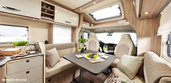 Wohnmobil mit Raffrollos von TINAtex